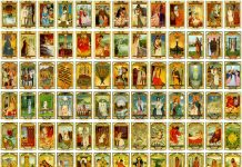 how many cards in a tarot deck